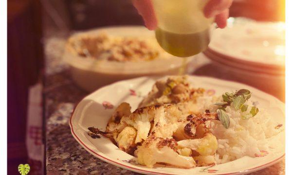 Cavolfiore arrosto con crema di ceci e riso sardo profumato