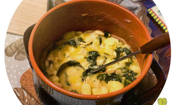 Stufato di patate e cavolo nero con fagioli cannellini