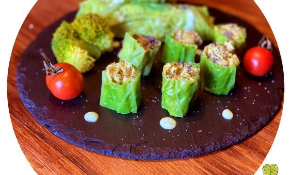 """""""Sushi"""" di verza con crema di fave"""